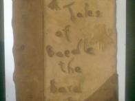 Odličen starinski videz knjige.