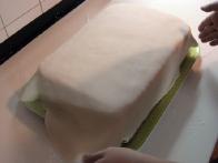Prekrivanje torte s fondantom.