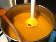 In strašni paličnjak je vse spremenil v gosto, dišečo, omamno juho.