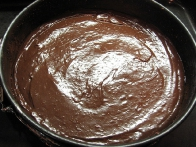 Torta, pripravljena na peko.