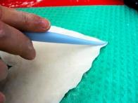 S pomočjo druge modelirke oblikuj listne žile.