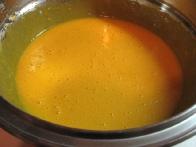 ... toliko, da dobimo enotno rumenjakovo juhico.