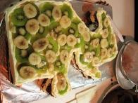 Drugo plast pa z rezinami kivijev in banan.