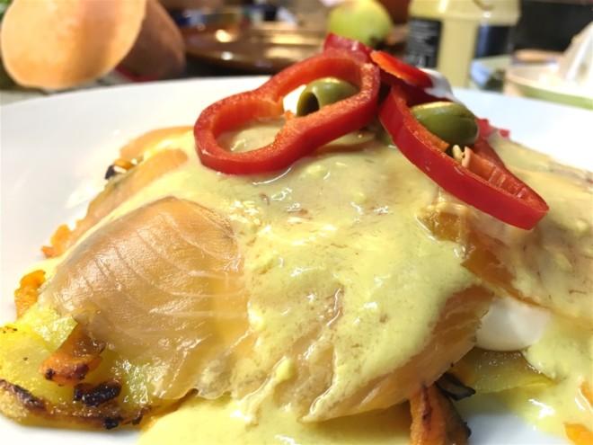 Krompir in dimljen losos